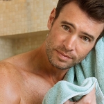 WATCH: Scott Foley's Shirtless Fancy Towel Ad
