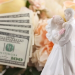Cash gift etiquette for weddings