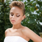 Makeup tips for an outdoor wedding